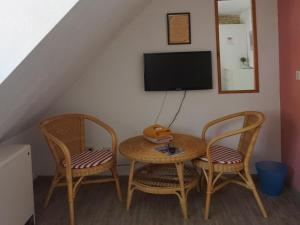 Pension Ins Fischernetz, Guest houses  Meersburg - big - 8