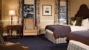 Deluxe Queen Room with Two Queen Beds