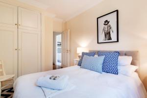 FG Property - Earl's Court, Kempsford Gardens, Flat 4 in London, Greater London, England