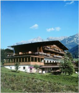 Hotel Bellevue Neustift im Stubaital - Pensionhotel - Hotely