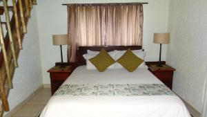 Standard Double Room with Private Bathroom - Zebra Room (a)