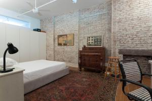 Three-Bedroom Apartment - Knapp Loft