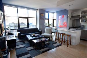 One-Bedroom Apartment - Delancey Place