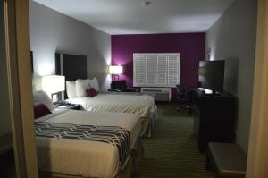 Deluxe Queen Room with Two Queen Beds - Disability Access/Non-Smoking