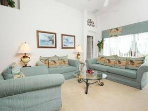 Four bedroom holiday home