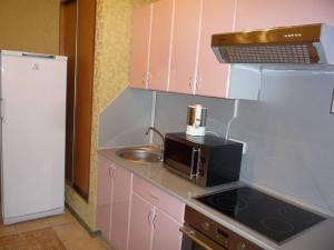 Apartment Bakalinskaya 25, Apartmanok  Ufa - big - 3