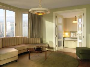 London Atrium Suite