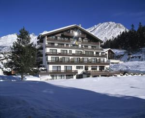Photo of Hotel Alpin Superior
