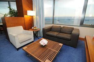 Suite Junior con vistas al mar y acceso al salón