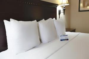 Deluxe Room - 1 King Bed