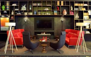 citizenM Tower of London in London, Greater London, England