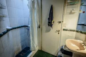 Economy Quadruple Room with Shared Bathroom
