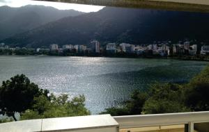 Apartment with Lake View