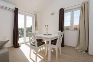 M.G Apartments, Appartamenti  Brodarica - big - 38