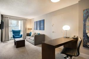One-Bedroom King Suite - Disability Access