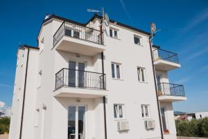 M.G Apartments, Appartamenti  Brodarica - big - 5