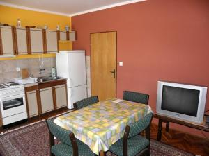 Holiday Home Petar IR7651, Holiday homes  Banjol - big - 7