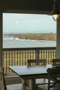 Pelican's Pier Vacation Home, Holiday homes  Fort Bragg - big - 23