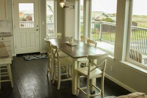 Pelican's Pier Vacation Home, Holiday homes  Fort Bragg - big - 19