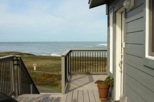Pelican's Pier Vacation Home, Holiday homes  Fort Bragg - big - 7