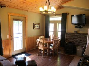 Genevieve One-Bedroom Spa Cabin