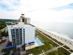 2 Bedroom 2 Bath Ocean-view Double Balcony Condo with 1 King, 2 Queens and 1 Sleeper Sofa - T24