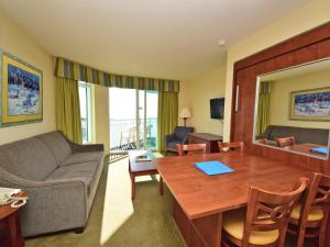 1 Bedroom 1 Bath Side Ocean-view Condo with 1 King and Wall Bed - T30