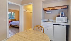 King Suite with Whirlpool - Pet Friendly