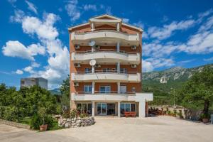Guest house Villa Ivanovic, Bed and Breakfasts  Budva - big - 91