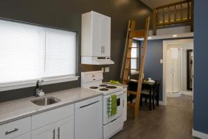 Loft Suite with kitchen & laundry