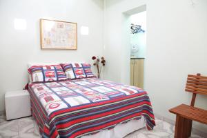 Bed in 6-Bed Female Dormitory Room with Private Bathroom