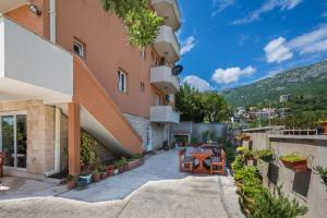 Guest house Villa Ivanovic, Bed and Breakfasts  Budva - big - 88