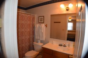 10 - The West Room - Double Queen Suite with Private Bathroom