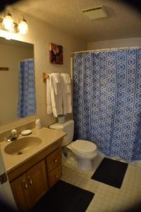 11 - The South Room - Double Queen Suite with Detached Private Bathroom