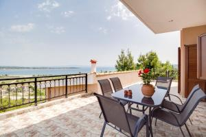 Sea View Villas, Apartmány  Vourvourou - big - 40