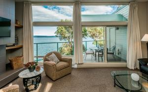 Suite with Ocean View (Unit 308)