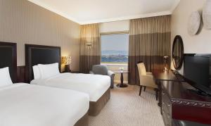 Twin Hilton Executive Room with Access to Executive Lounge