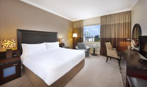 King Hilton Executive Room with Access to Executive Lounge