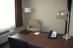 King Suite with Office