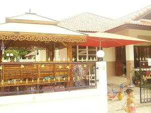 Orasa Homestay, Homestays  Sattahip - big - 32