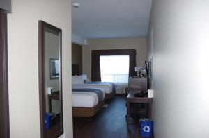 Queen Room with Two Queen Beds - Handicap Accessible