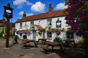 The Castle Arms Inn in Bedale, North Yorkshire, England