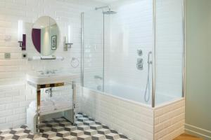 Deluxe Double Room With Free Access to Steam Bath