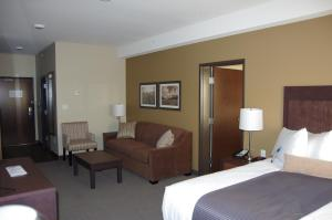 Suite with King Bed, Queen Bed and Sofa Bed