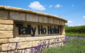 The Tally Ho Hotel - B&B in Bicester, Oxfordshire, England