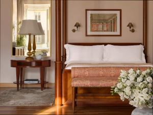 Renaissance Suite met Kingsize Bed