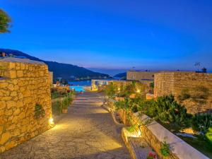 Eirini Luxury Hotel Villas - 6 of 33