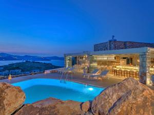 Eirini Luxury Hotel Villas - 19 of 33