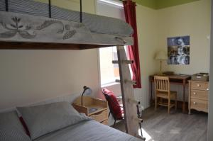 Queen Room with Single Bunk Bed