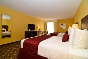 Best Western Plus Sally Port Inn & Suites